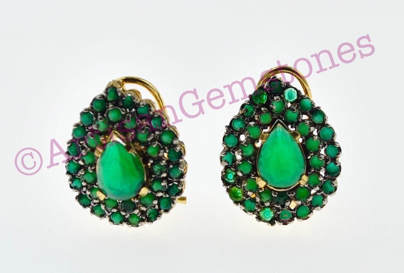Green small sized Earrings