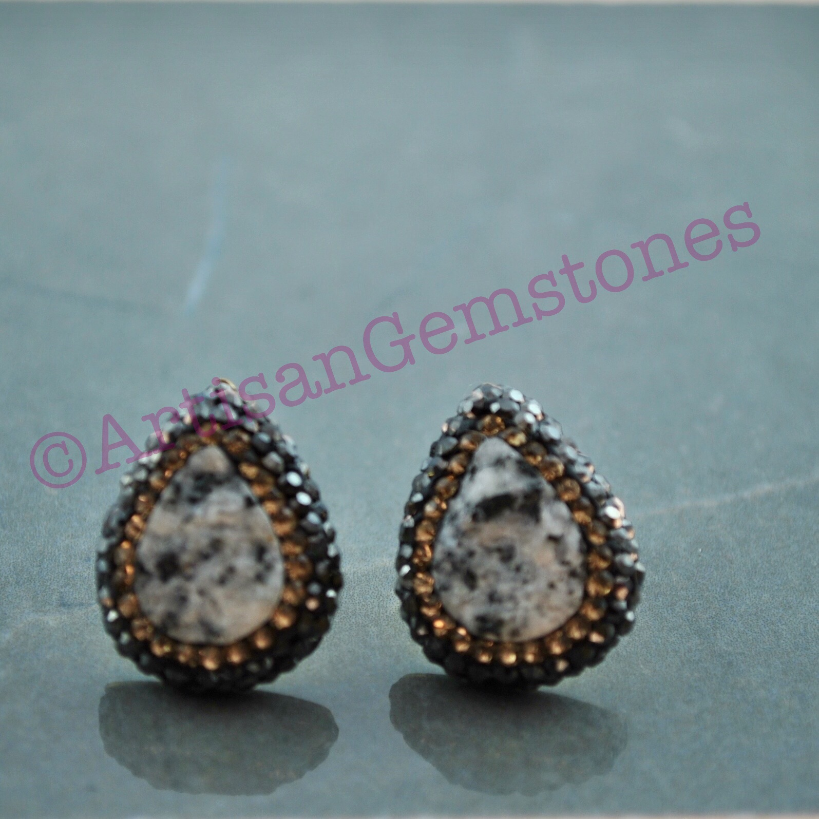 Teardrop grey Druzy and Gold Studs